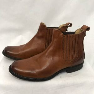 Frye Chelsea Boots Size 7.5 Cognac Leather Booties